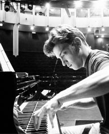Artyom Timin  - Piano